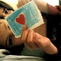 thumb-heart-paper
