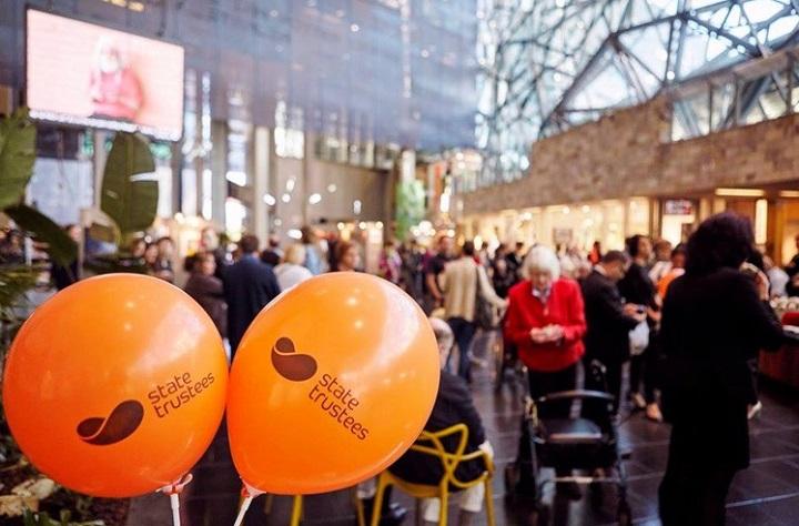 connected-art-2015-atrium-balloons-720